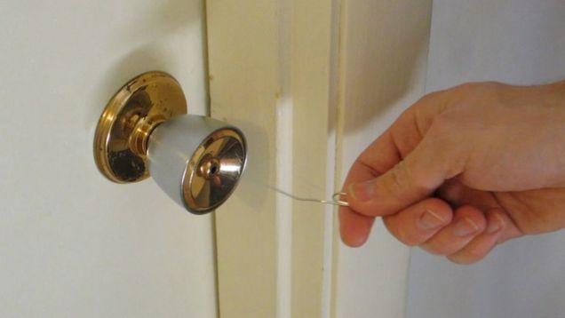 باز کردن قفل درب با سنجاق