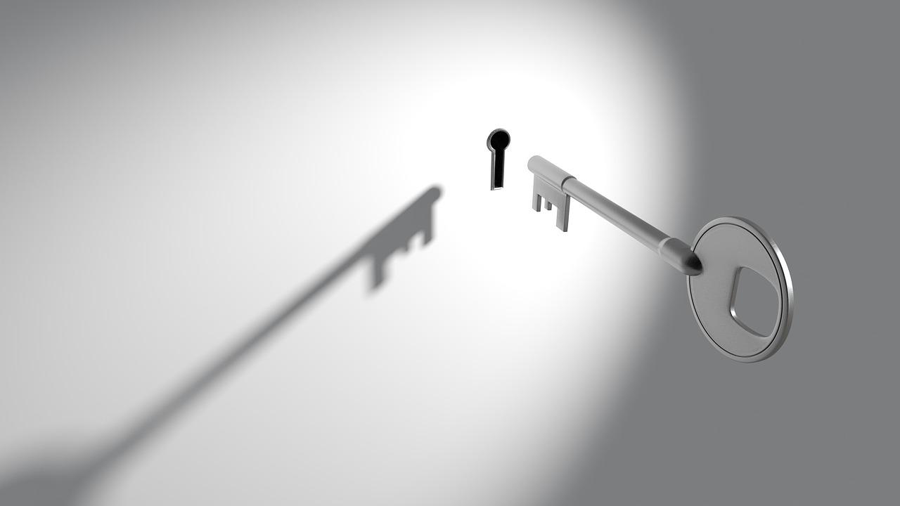 مقایسه قفل دیجیتال و قفل کلیدی