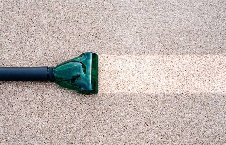 تمیز کردن فرش خانه با تمیز کننده های خانگی
